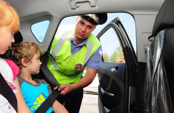 Правила перевозки детей с 1 января 2020, изменение ПДД, штрафы за перевозку без кресла